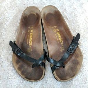 Single toe strap black Birkenstocks size 41